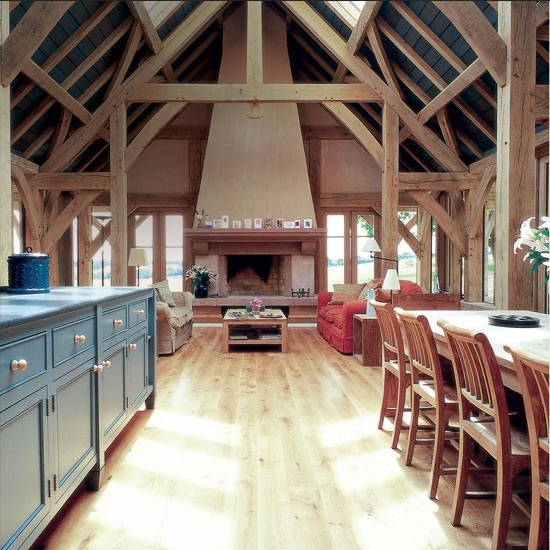 Rustic oak wood floor in the kitchen image: housetohome.co.uk