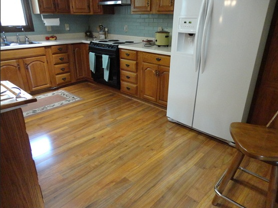 Laminate flooring kitchen laminate flooring tile for Kitchen laminate flooring