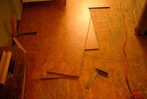 Cork flooring for kitchen instalation