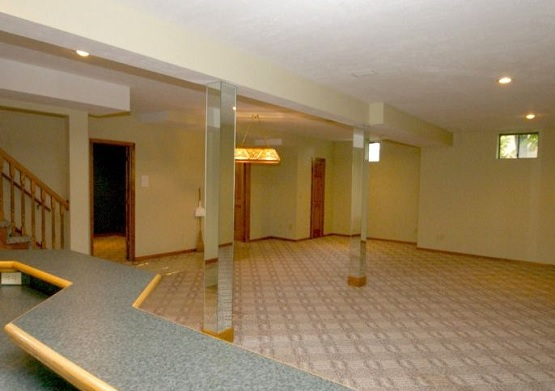 Carpet tile floor pattern for basement