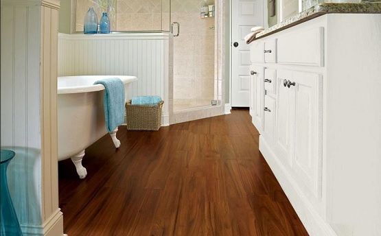 Bathroom with waterproof laminate flooring