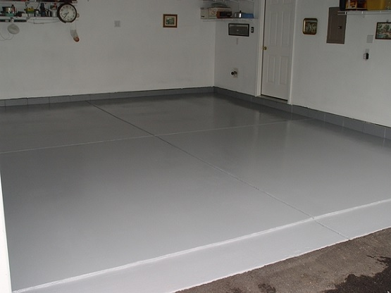 Coatings garage floor using Latex paint