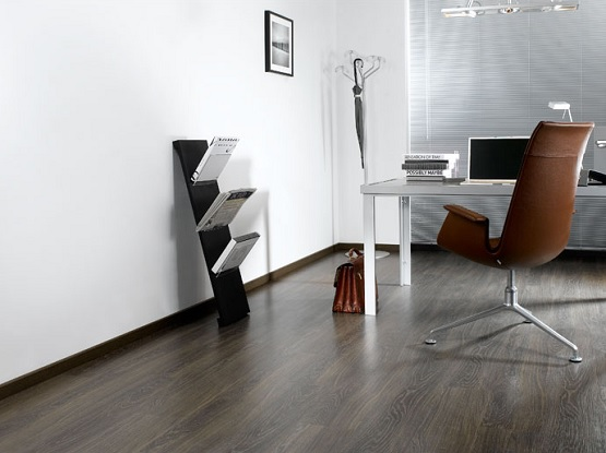 Dumafloor waterproof laminate floor with wood patterns
