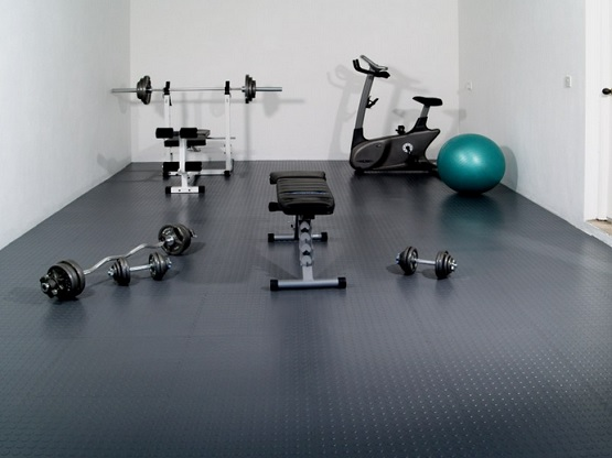 Back grip rubber flooring for home gym