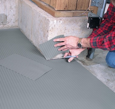 Ribbed garage floor snow mats for garage floor