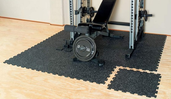 Rubber puzzle mat flooring for home gym