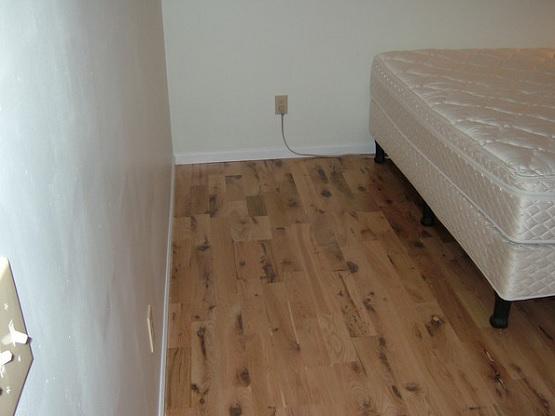 Unfinished red oak flooring for bedroom
