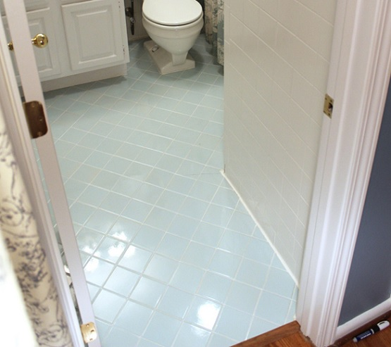 Bathroom floor ceramic tile paint with white