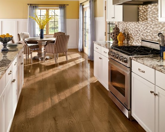 Kitchen with harvest oak laminate flooring