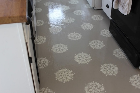 Painting linoleum laundry room floor
