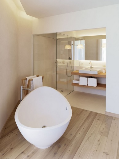 Modern small bathroom design with laminate flooring