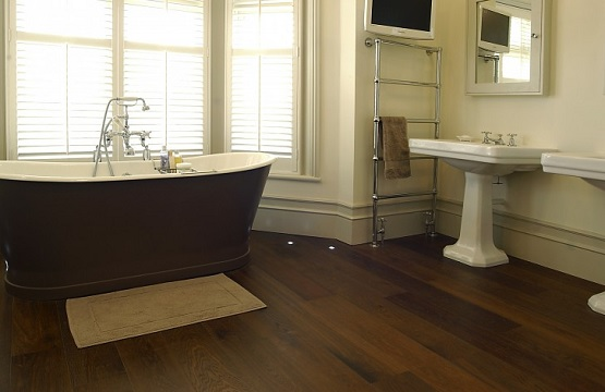 Natural wood laminate flooring for bathroom