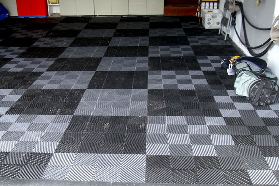 Vented grid-loc rubber garage floor tiles