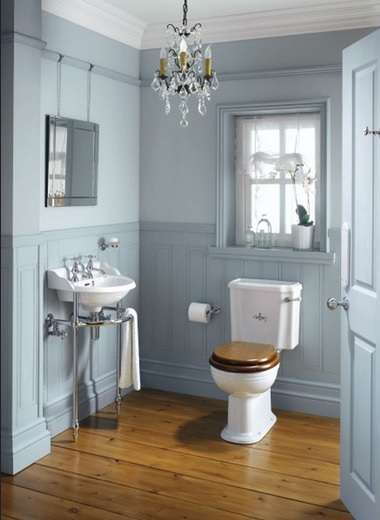 Victorian bathroom style with laminate flooring