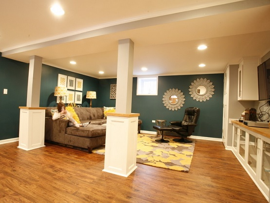 Vinyl plank flooring basement types designs and tips for Basement flooring ideas pictures