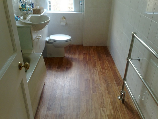 Wood style vinyl flooring for bathroom