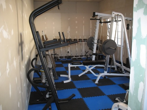 Best Interlocking rubber home gym flooring