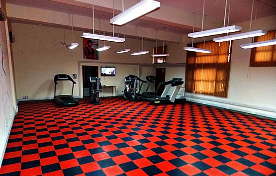 Black and red rubber tile for best home gym flooring