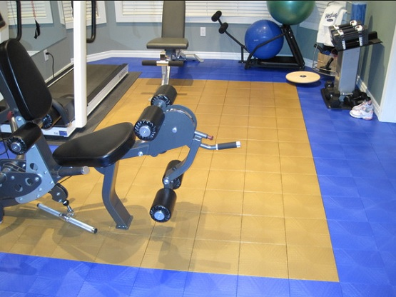 Brown and blue gym flooring tiles