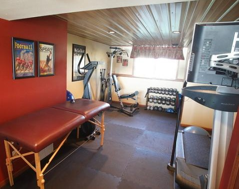 Interlocking rubber home gym flooring options