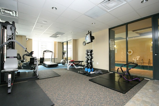 Luxurious deluxe carpet home gym flooring ideas