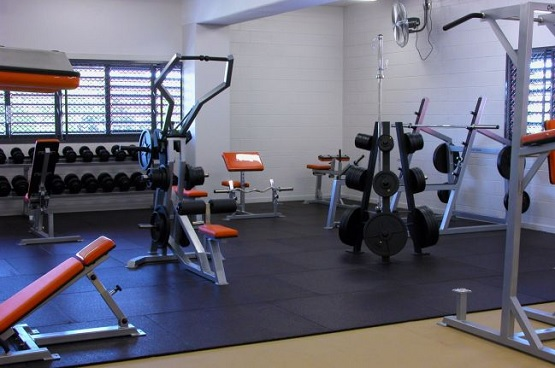 Recycled rubber gym flooring tiles