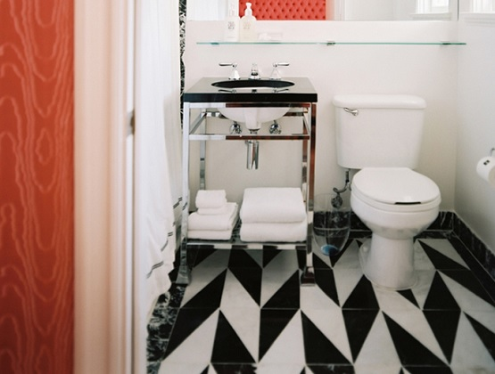 Black and white bathroom floor tile arrangement design