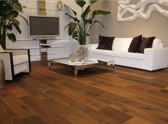 Elegant look living room with brazilian walnut flooring