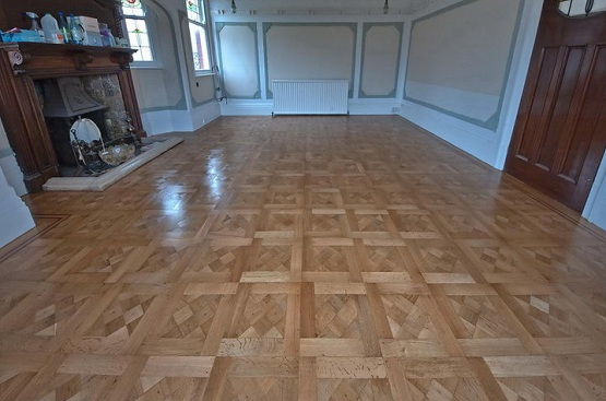 Refinishing parquet flooring with light color