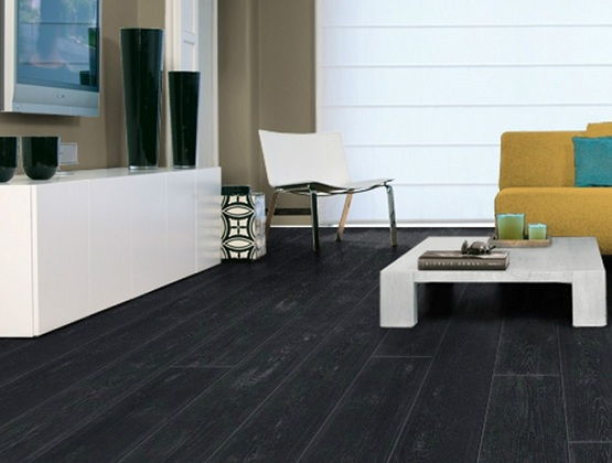 Black Vinyl Flooring U0026 The Reason Why You Should Using It » Black Vinyl  Flooring Planks For Living Room With Minimalist Furniture