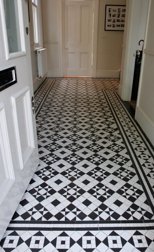 Patterned floor tiles for hallway or entryway