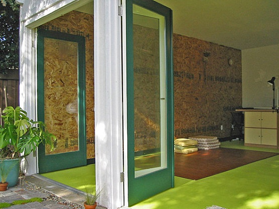 Green floor paint ideas for back room flooring