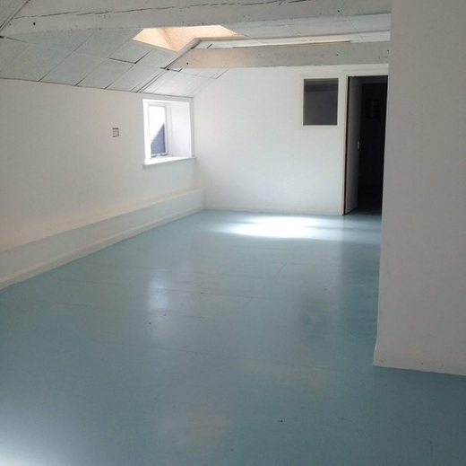 Light blue non slip floor paint
