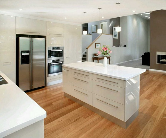 Natural wood floor coverings for kitchens