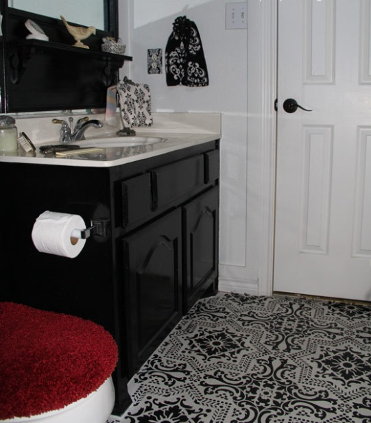 Painting bathroom floor tiles with black and white