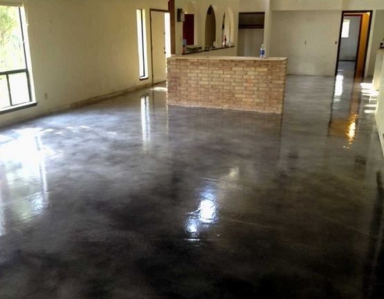 Painting concrete floors with black gloss paint