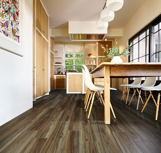 Wood effect vinyl floor coverings for kitchens