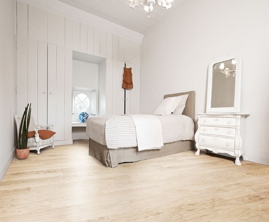 Cream laminate flooring best color to match flooring for Best laminate flooring for bedrooms