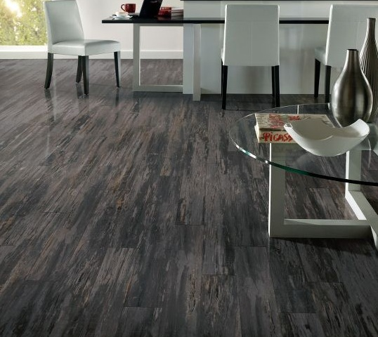 Dark grey laminate flooring for small apartment