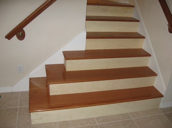 Hardwood laminate flooring for stairs with natural finish