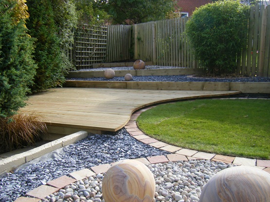 Modern garden flooring ideas for small garden