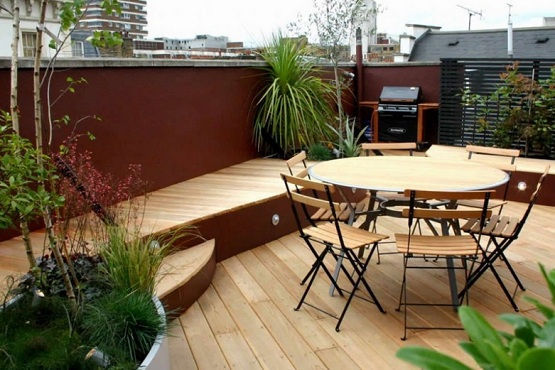 Natural wood finish garden flooring ideas for small patio garden