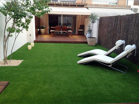 Outdoor flooring options using artificial grass flooring