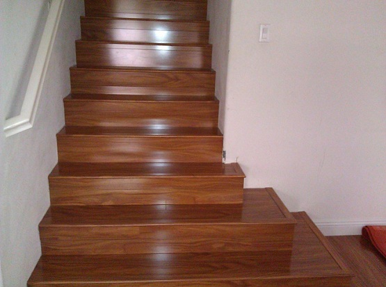 Stylish laminate flooring for stairs