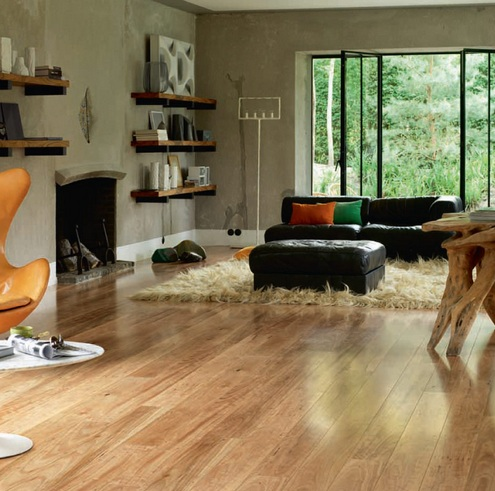 Uniclic laminate flooring in fireplace room