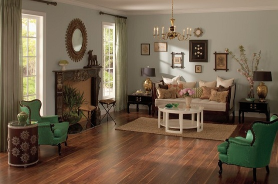 Uniclic laminate flooring in living room with classic decor
