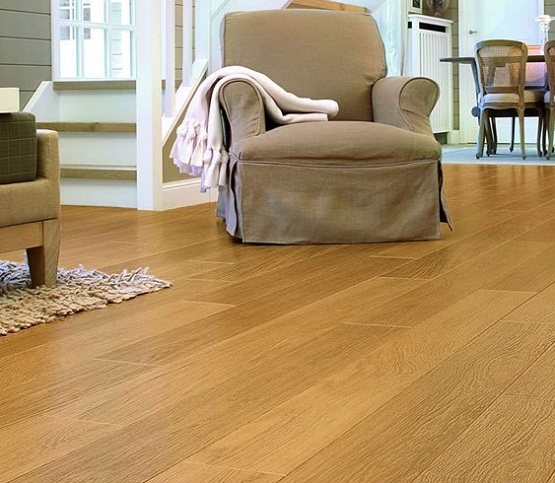 Uniclic laminate flooring in small apartment