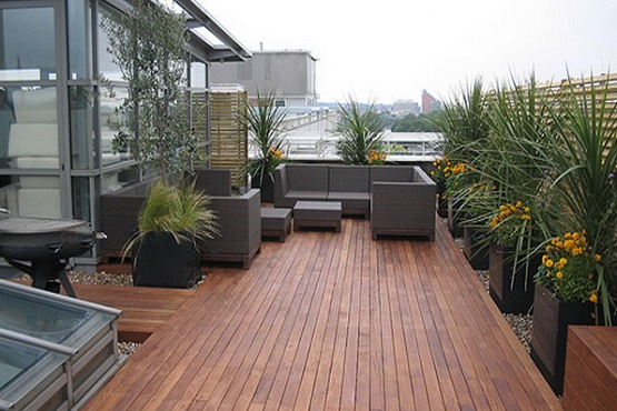 Wood plank garden flooring ideas for patio garden