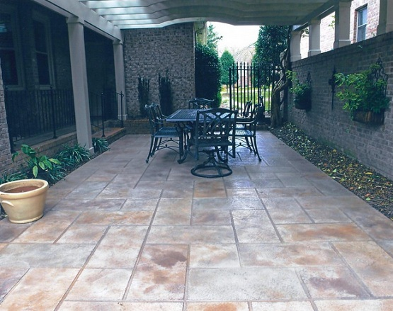 Slate Patio Tiles Flooring On Outdoor Patio With Black
