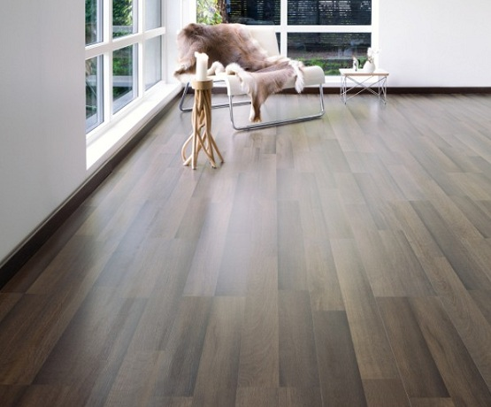 11mm-high-pressure-laminate-flooring-in-living-room